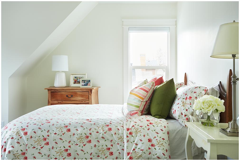 interior-photographer-bedroom-edmonton.png