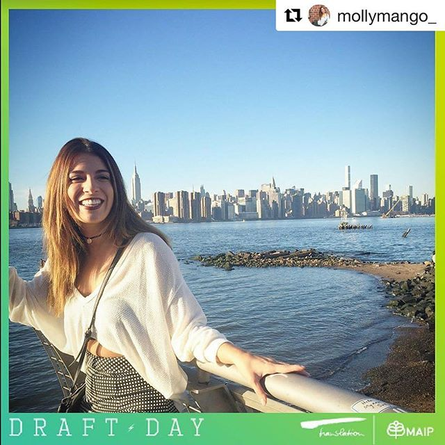 Yesterday I was drafted and became a #MAIP2017 fellow! Now I'll be making my way to NYC🍎 to be 1 out of 13 @omnicomhealthgroup Interns! So THANKFUL for my family and friends for always supporting/believing in me, especially when things became difficult. Thank you @4asmaip and @omnicomhealthgroup for making my dreams come true! 🌎✈️❤ #Repost @mollymango_