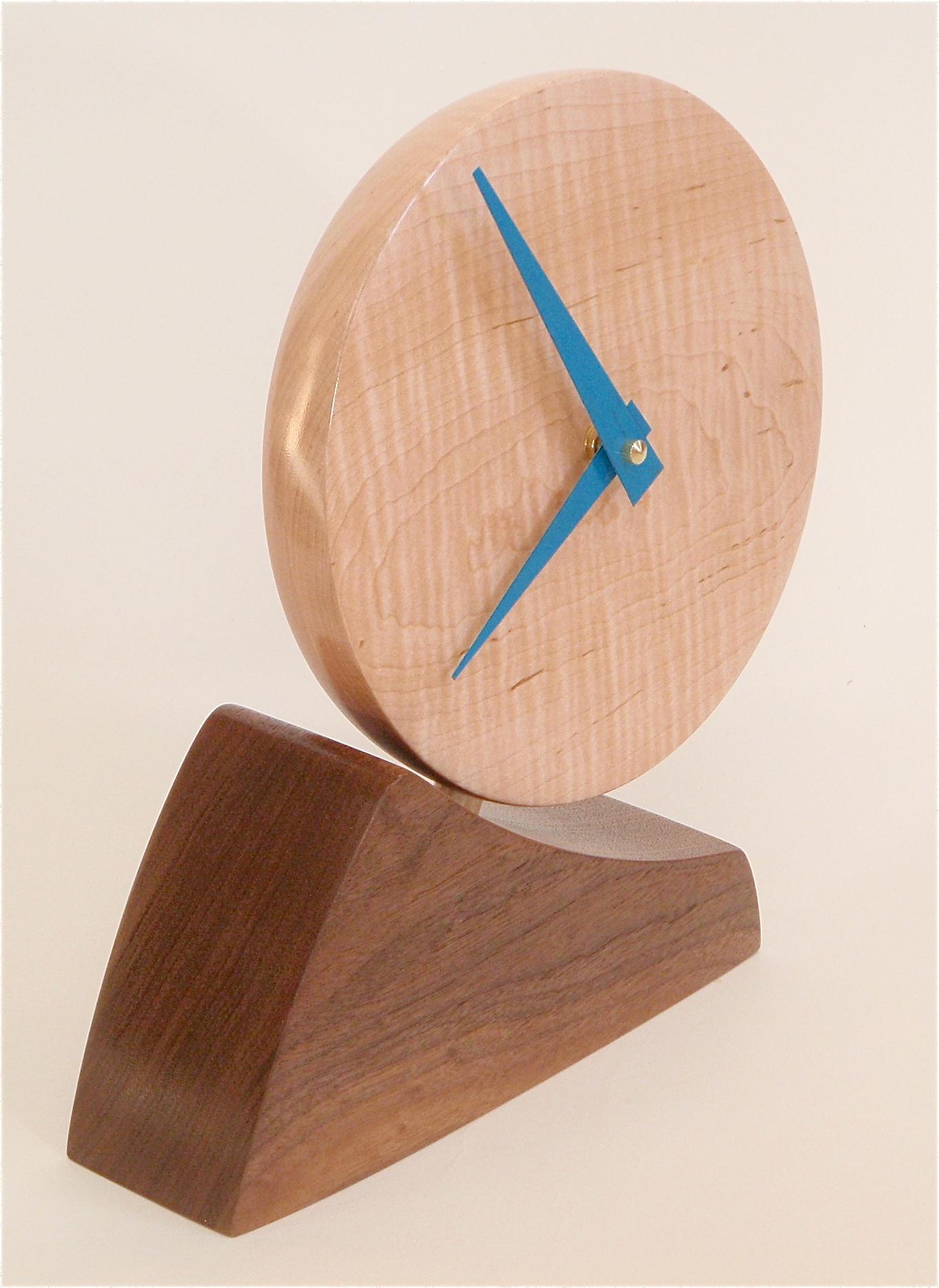 Adjustable desk clock 04