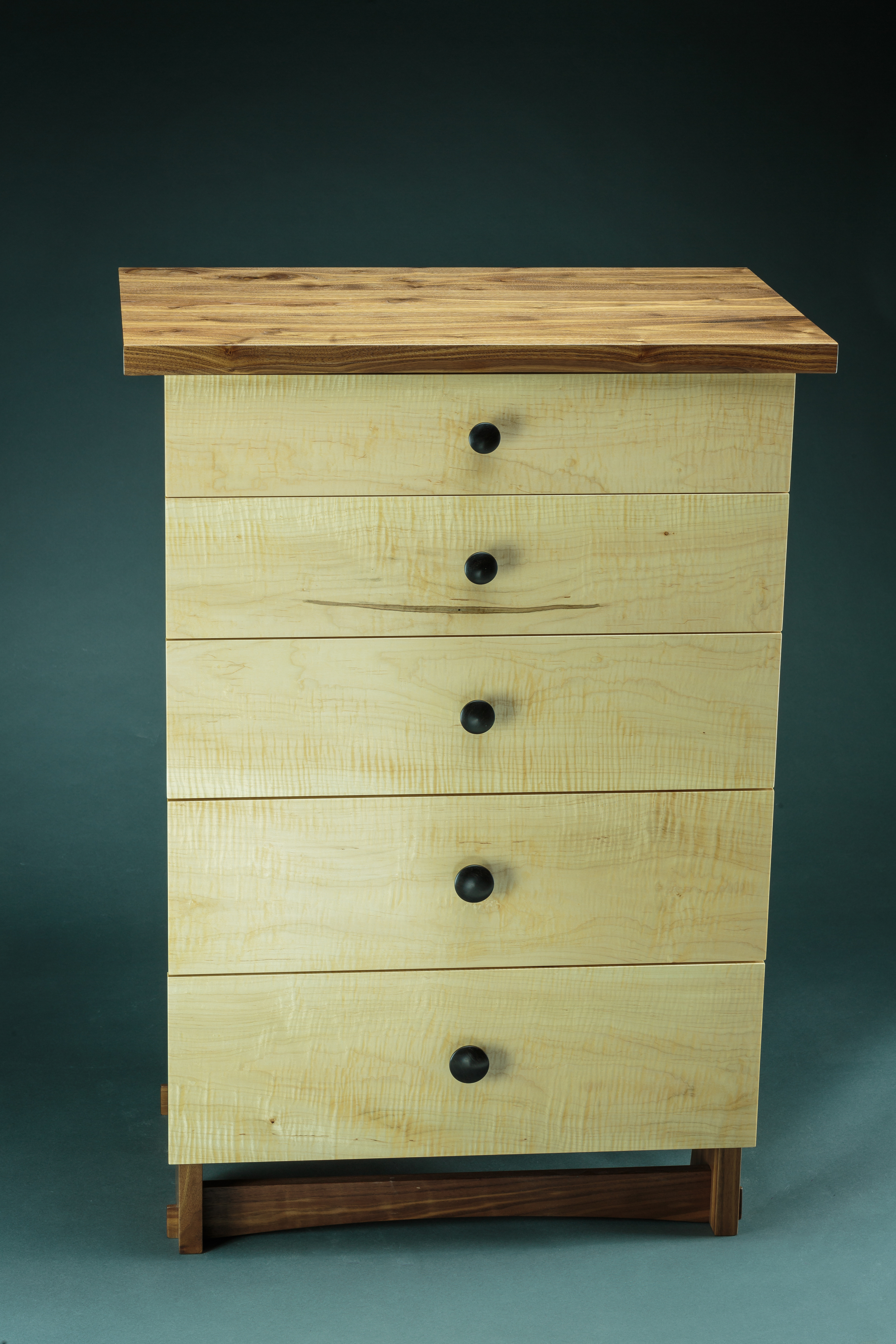 85 lb. dresser