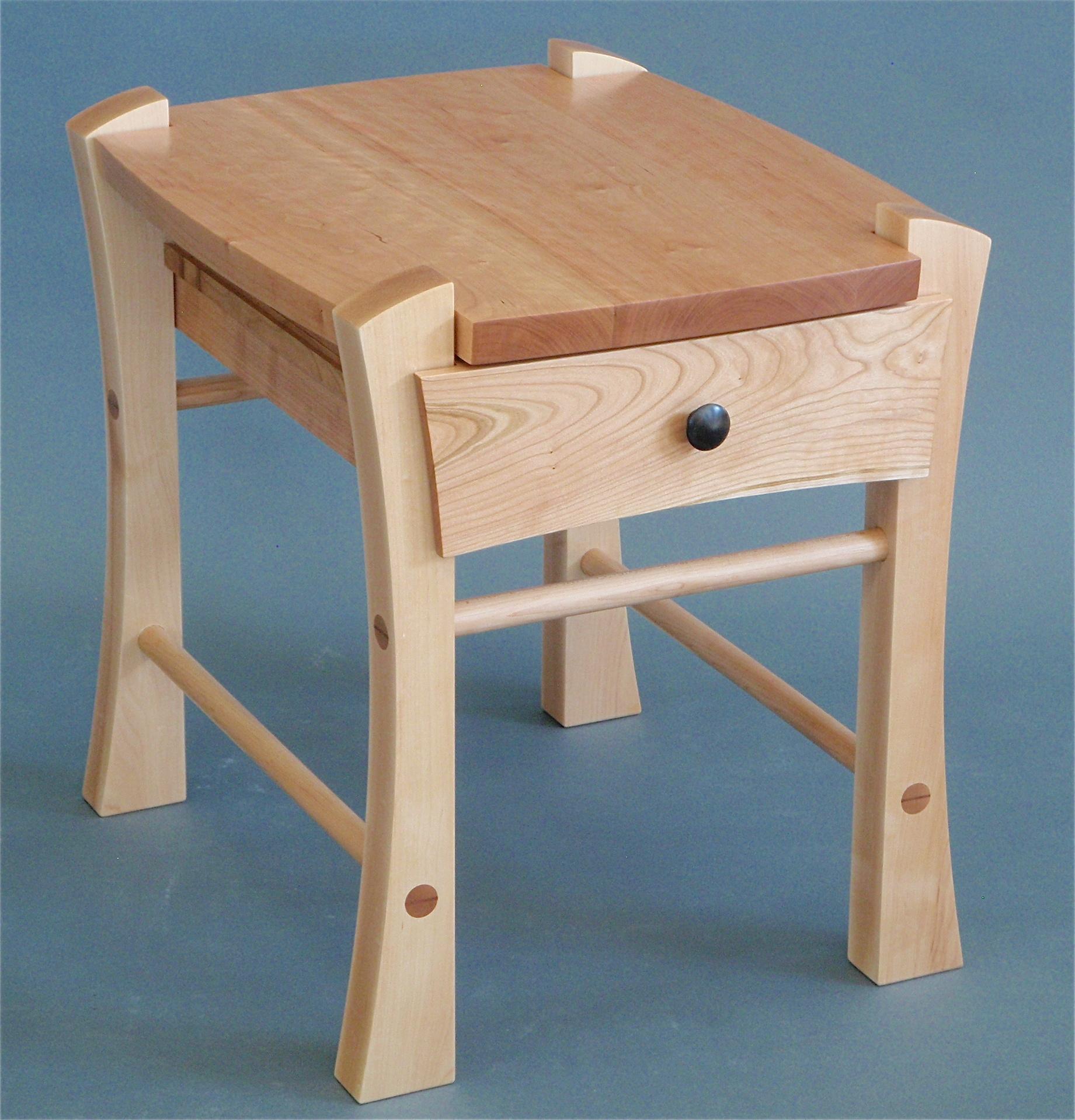 Single drawer bedside table