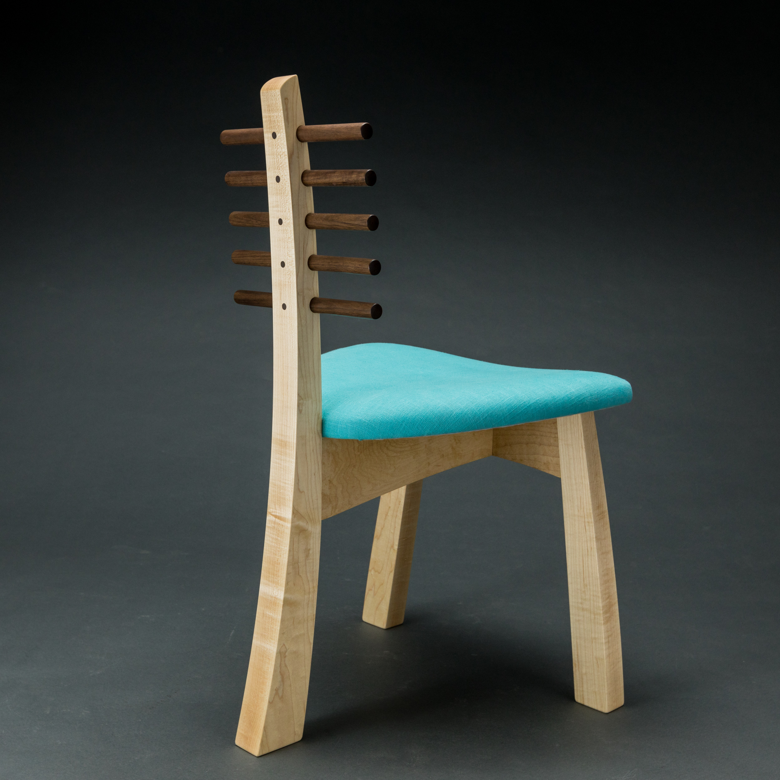 Tripod chair 2017
