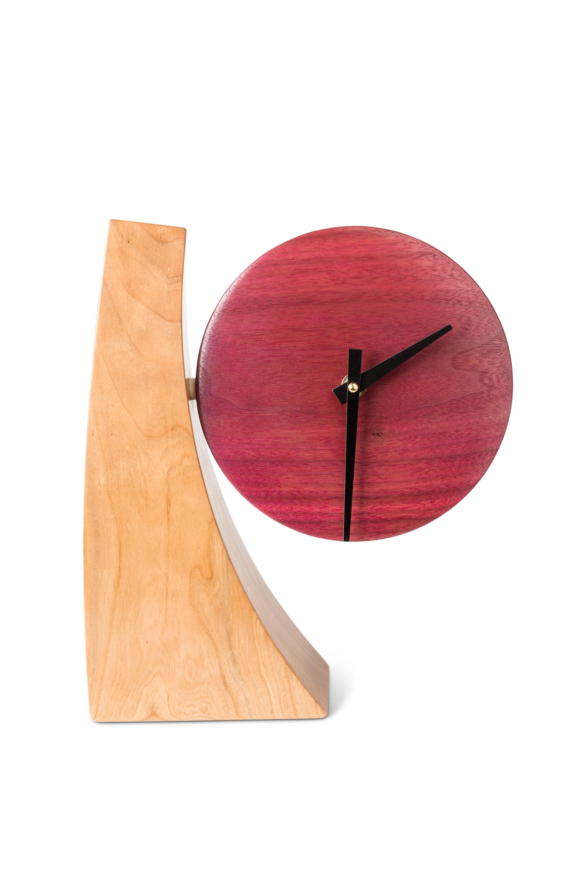 Adjustable desk clock