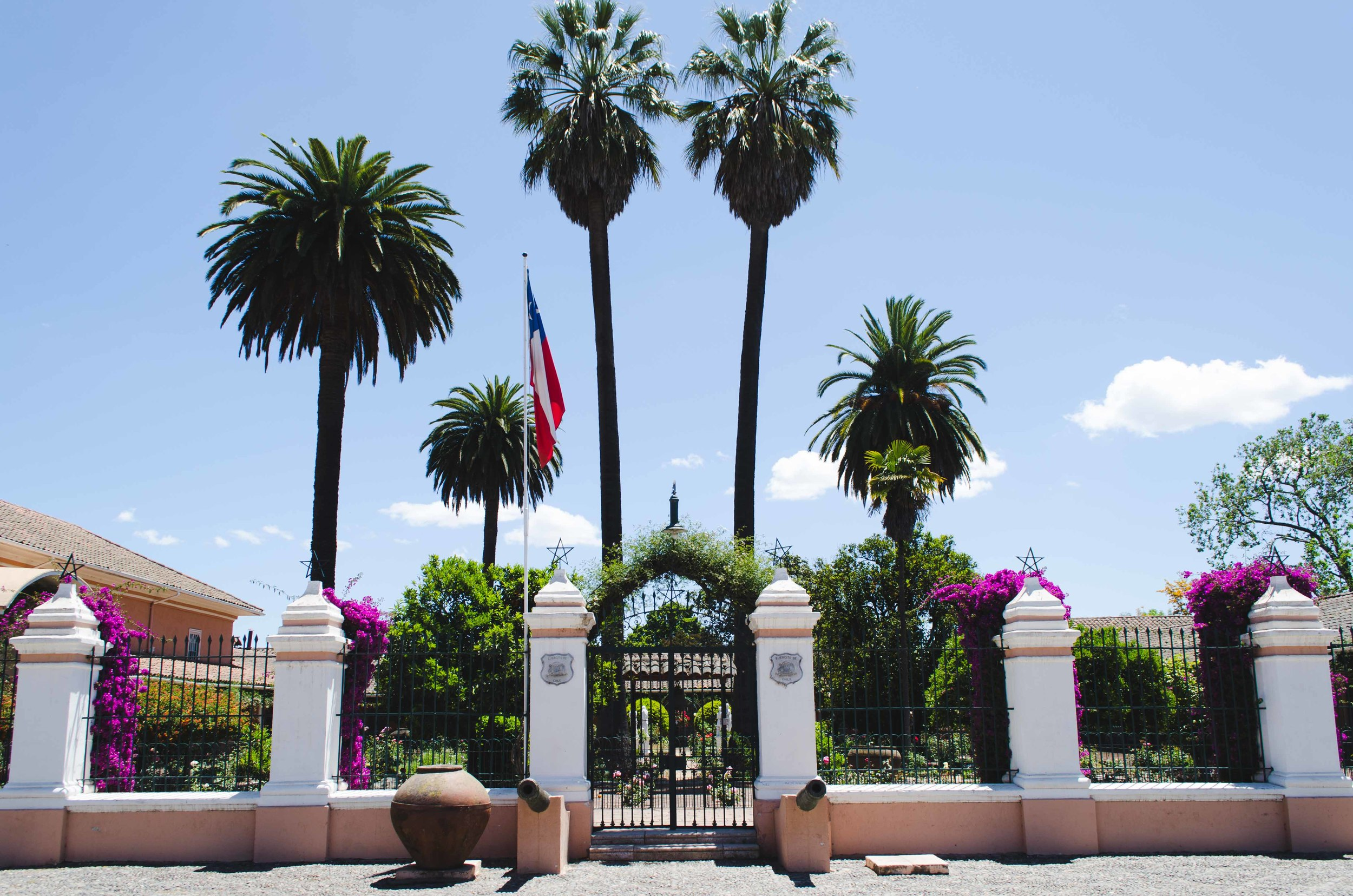 Entrance to the estate of a Chilean family, now turned museum // 27 november