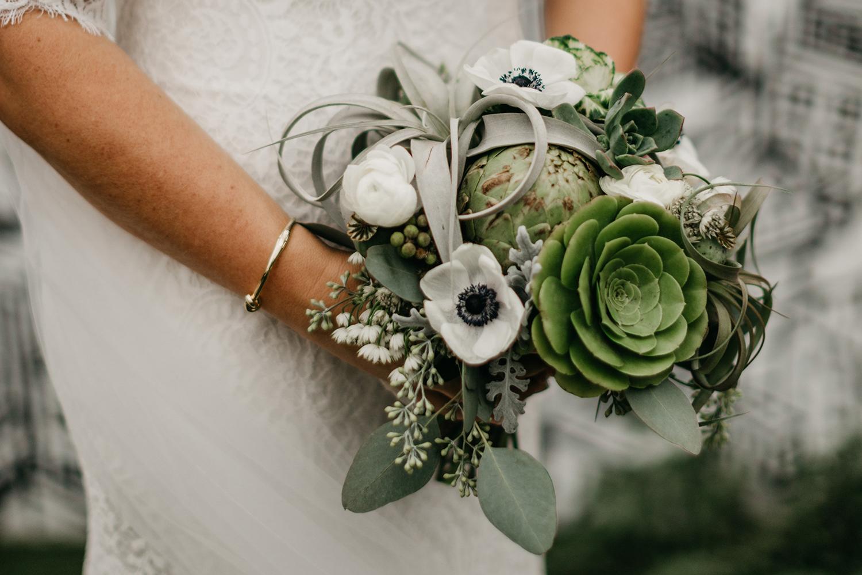Modern-Black-and-White-Blanc-Denver-Colorado-Wedding-12.jpg