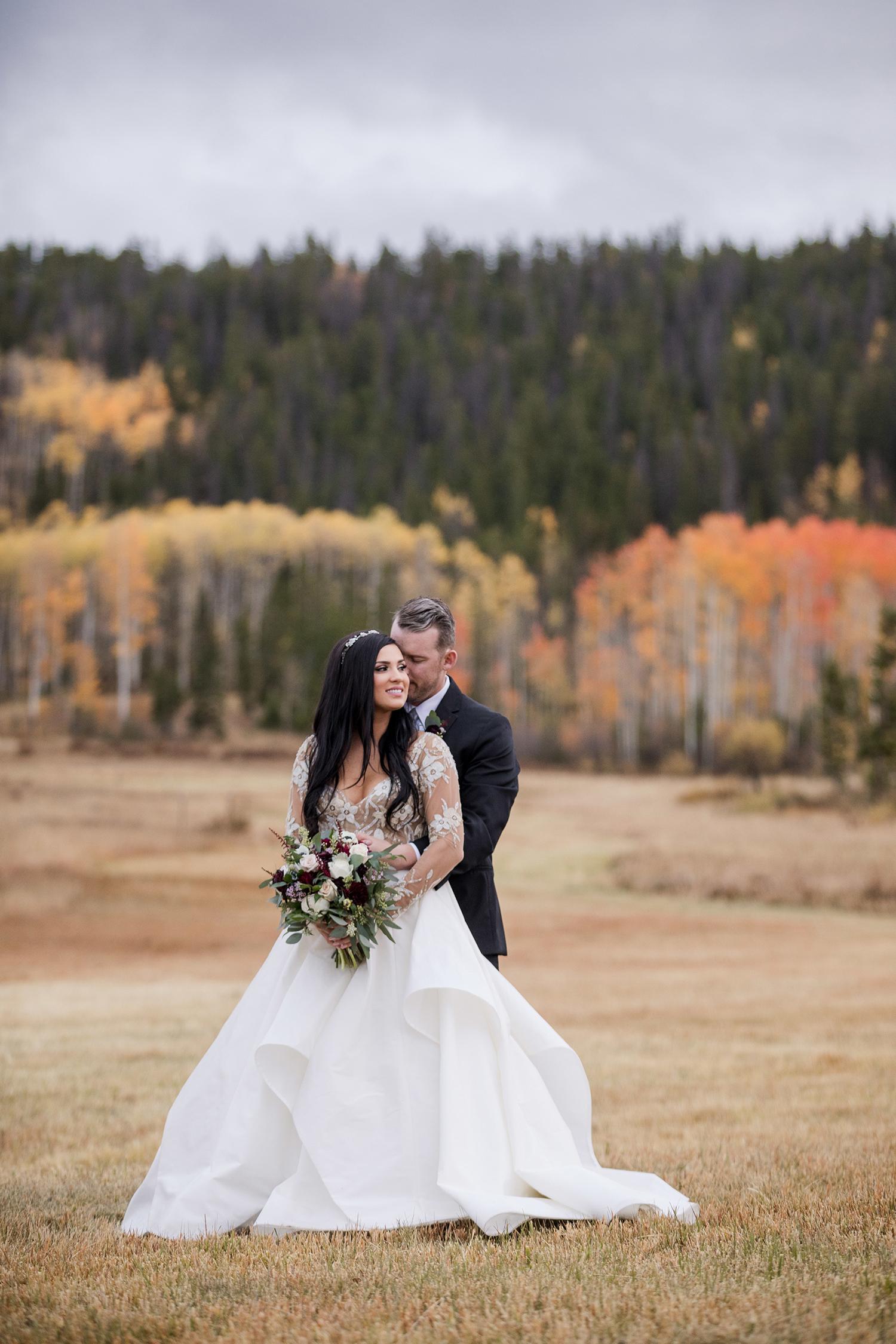 Rustic-Elegant-Mountain-Wedding-01.jpg