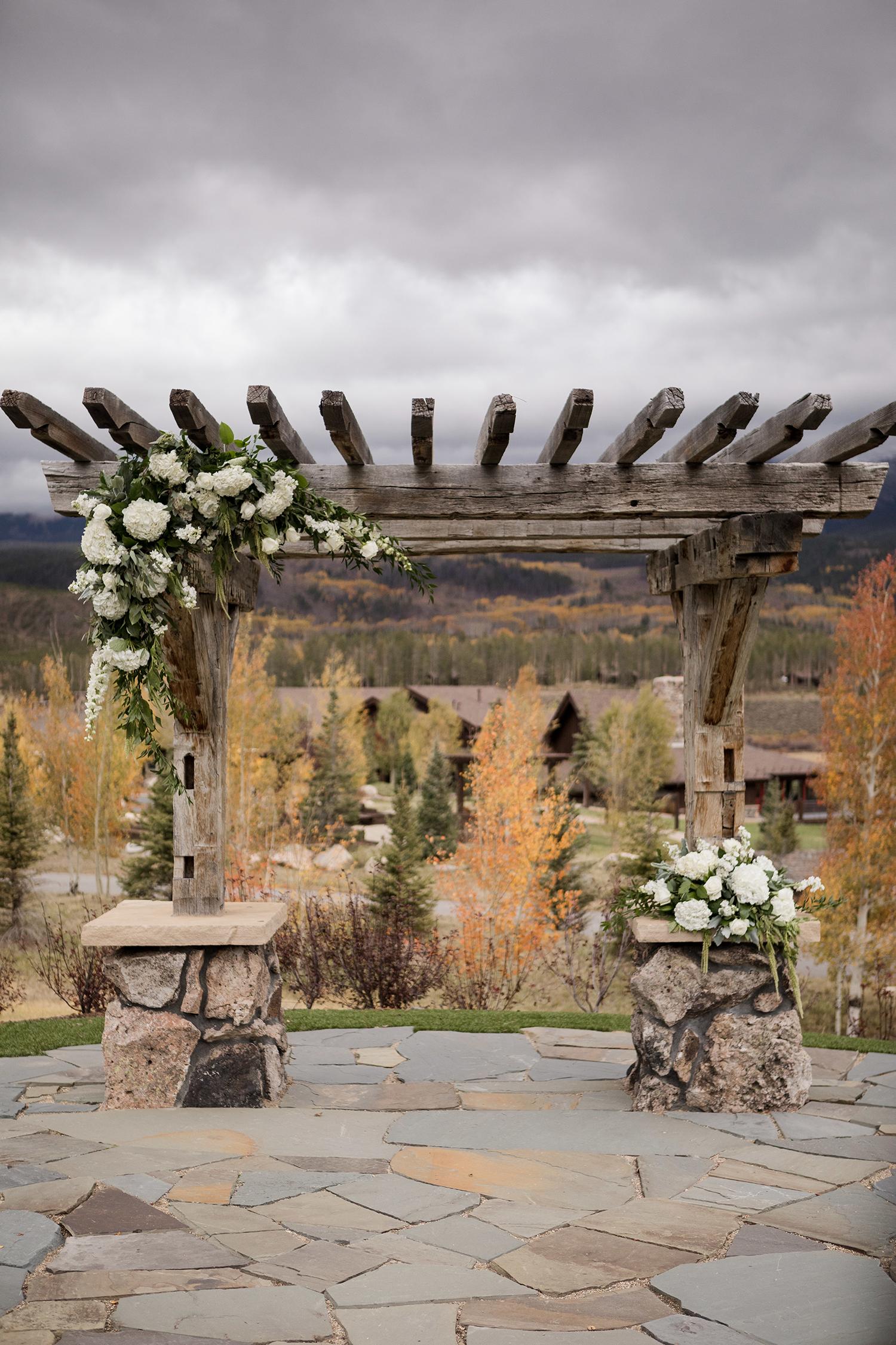 Rustic-Elegant-Mountain-Wedding-10.jpg