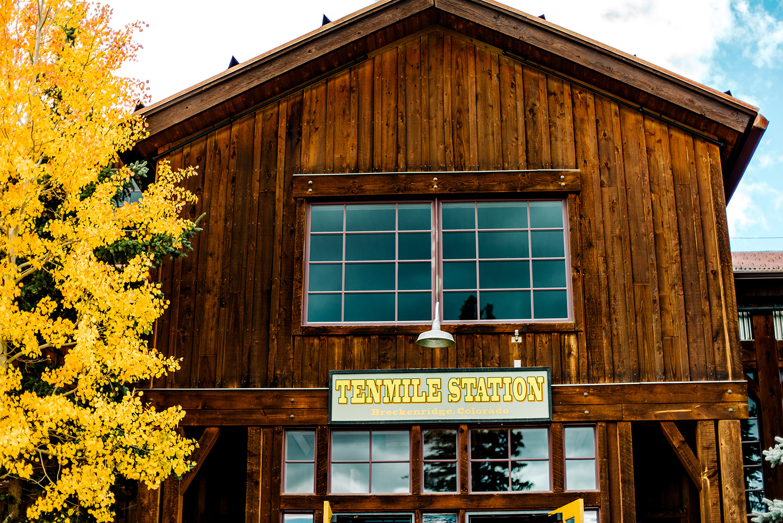 Breckenridge-Ten-Mile-Station-Mountain-Wedding-02.jpg