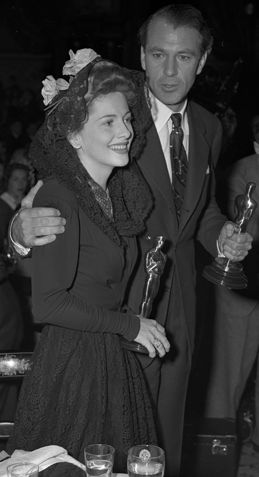 """Joan Fontaine with Gary Cooper the year they won Oscars for """"Suspicion"""" and """"Sergeant York"""" respectively. From the Los Angeles Times photographic archive, UCLA Library."""