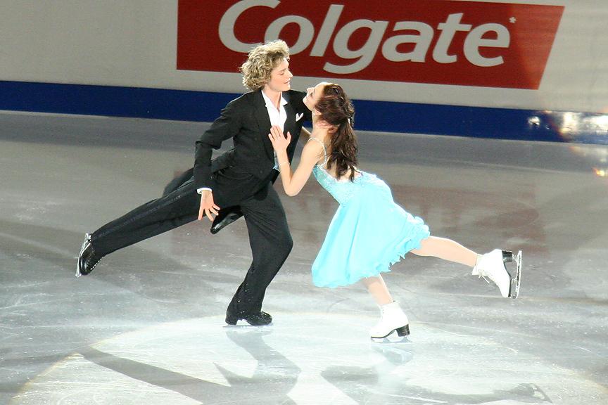 Charlie White and Meryl Davis at the 2006 Skate Canada. Photograph by Caroline Paré.