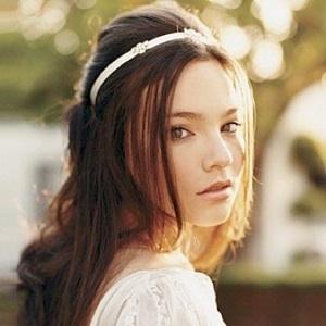 LouLou-Katie weddinghair.jpg