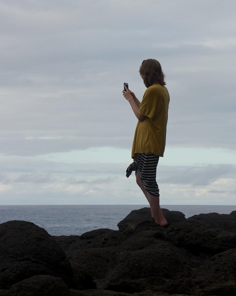 Capturing Waves Via iPhone in Queens Bath, Kauai - Photo by Fugue Photo