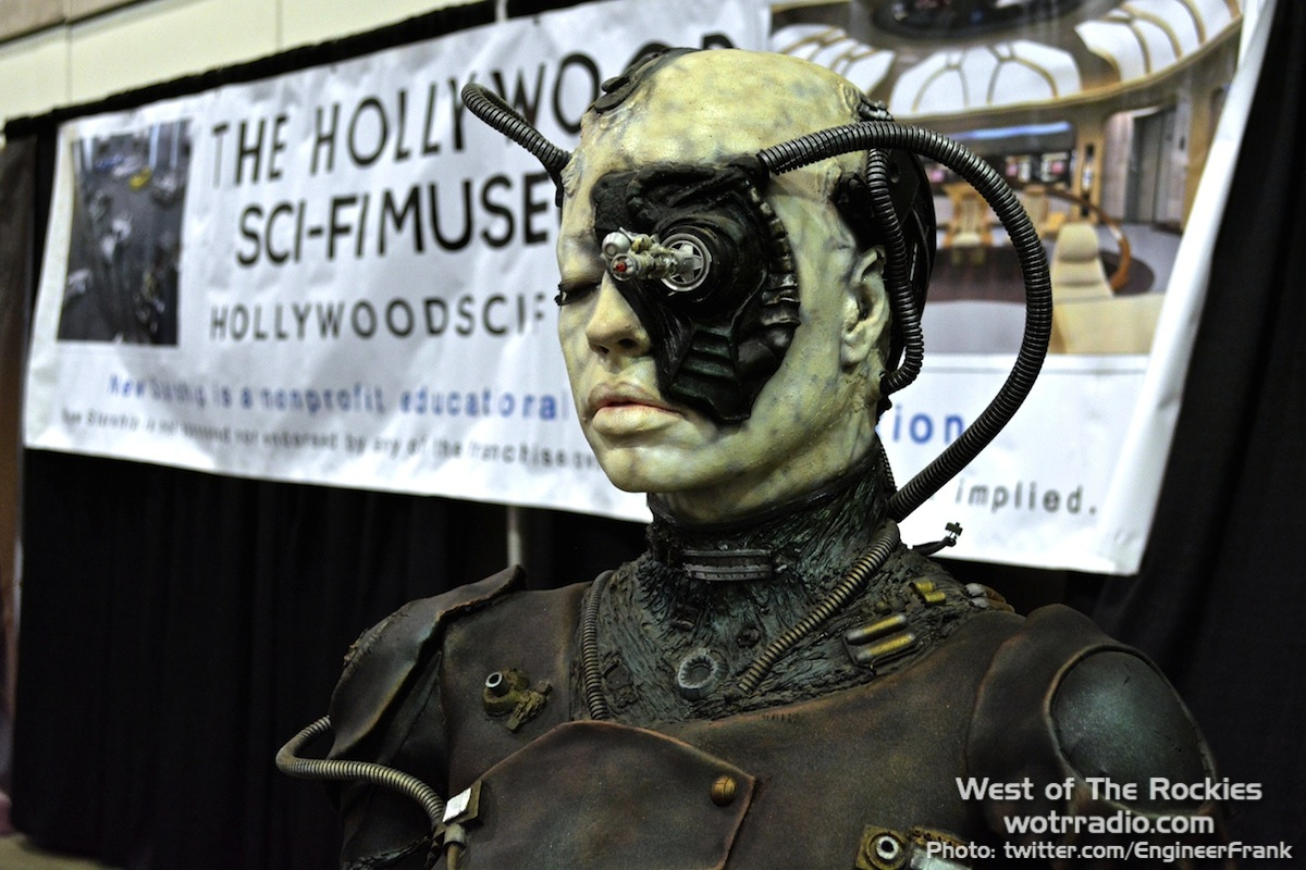 The Hollywood Sci-Fi Booth at Stan Lee's Comikaze Expo 2015
