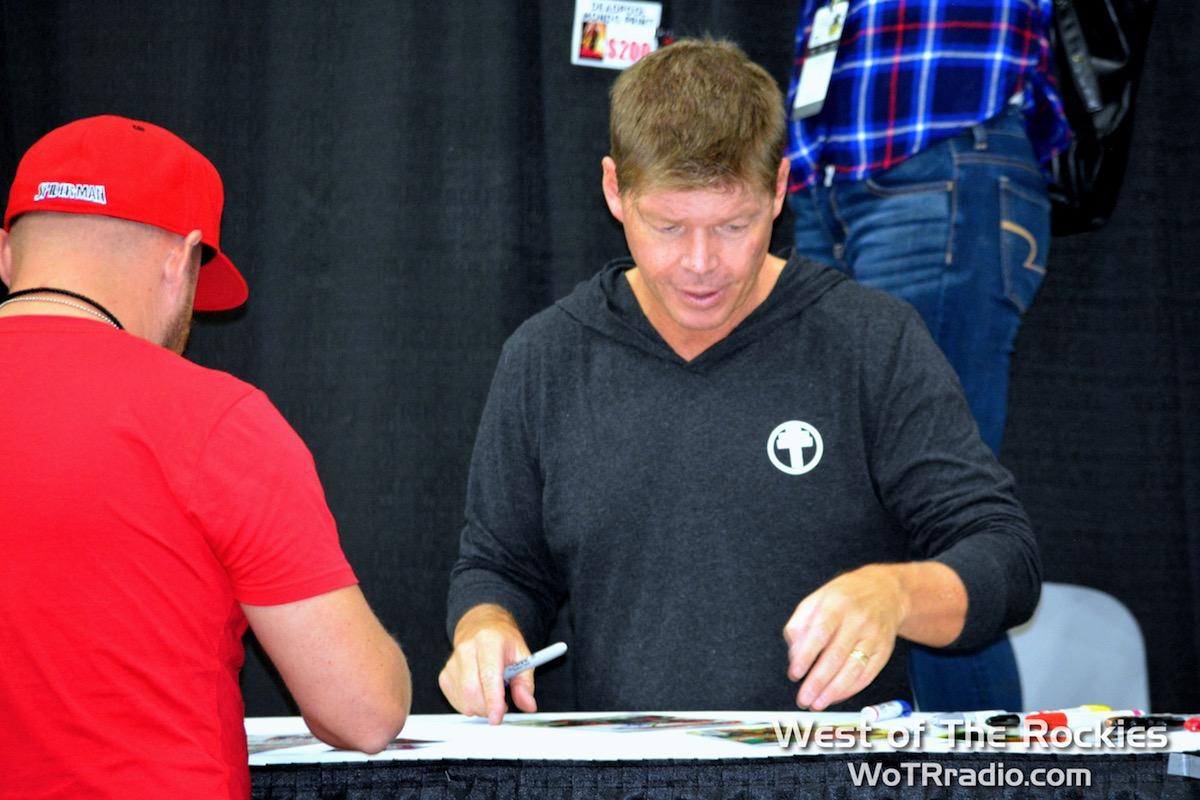 Plenty of Signings at LA Comic Con
