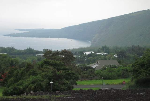 """Above:""""High rainfall in Kealakekua and Honaunau during May benefited area farmers. The Big Island can expect below average rainfall this winter, but forecasters say the island should escape severe drought, the National Weather Service said Friday."""" Credit - West Hawaii Today"""
