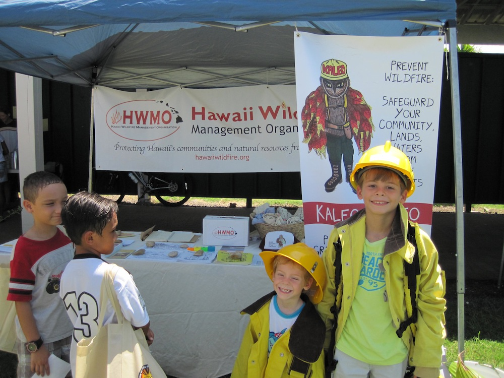 All smiles at the HWMO Keiki Wildland Firefighter Shoot!