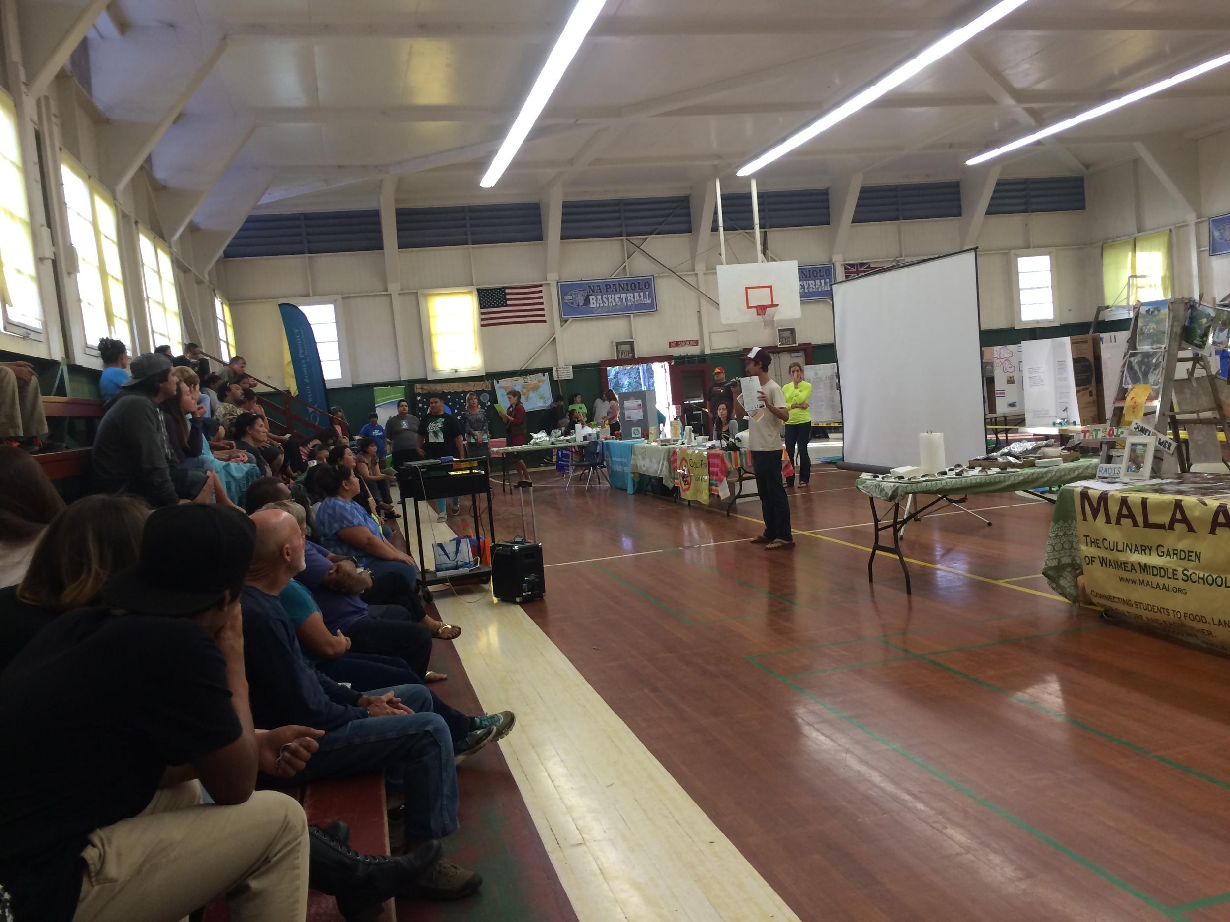 Pablo Beimler shares information about Ready, Set, Go! program with Waimea Middle School ʻohana.
