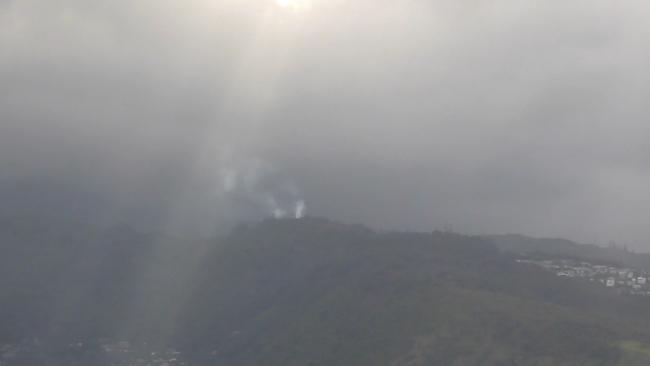 Fire on Waahila Ridge on May 10, 2017. Credit: KHON2