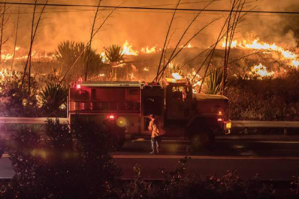"""The Hawaii Fire Department responded to a brush fire off Kawaihae Road on Tuesday night. Courtesy Colin Edsman"""