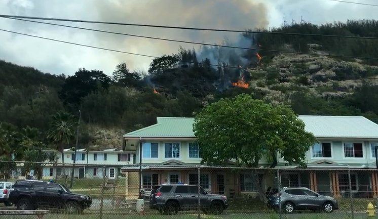 Kalihi Fire, April 7, 2019. Credit: KITV4