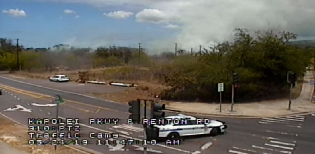 Traffic camera view of the wildfire. Credit: Hawaii News Now