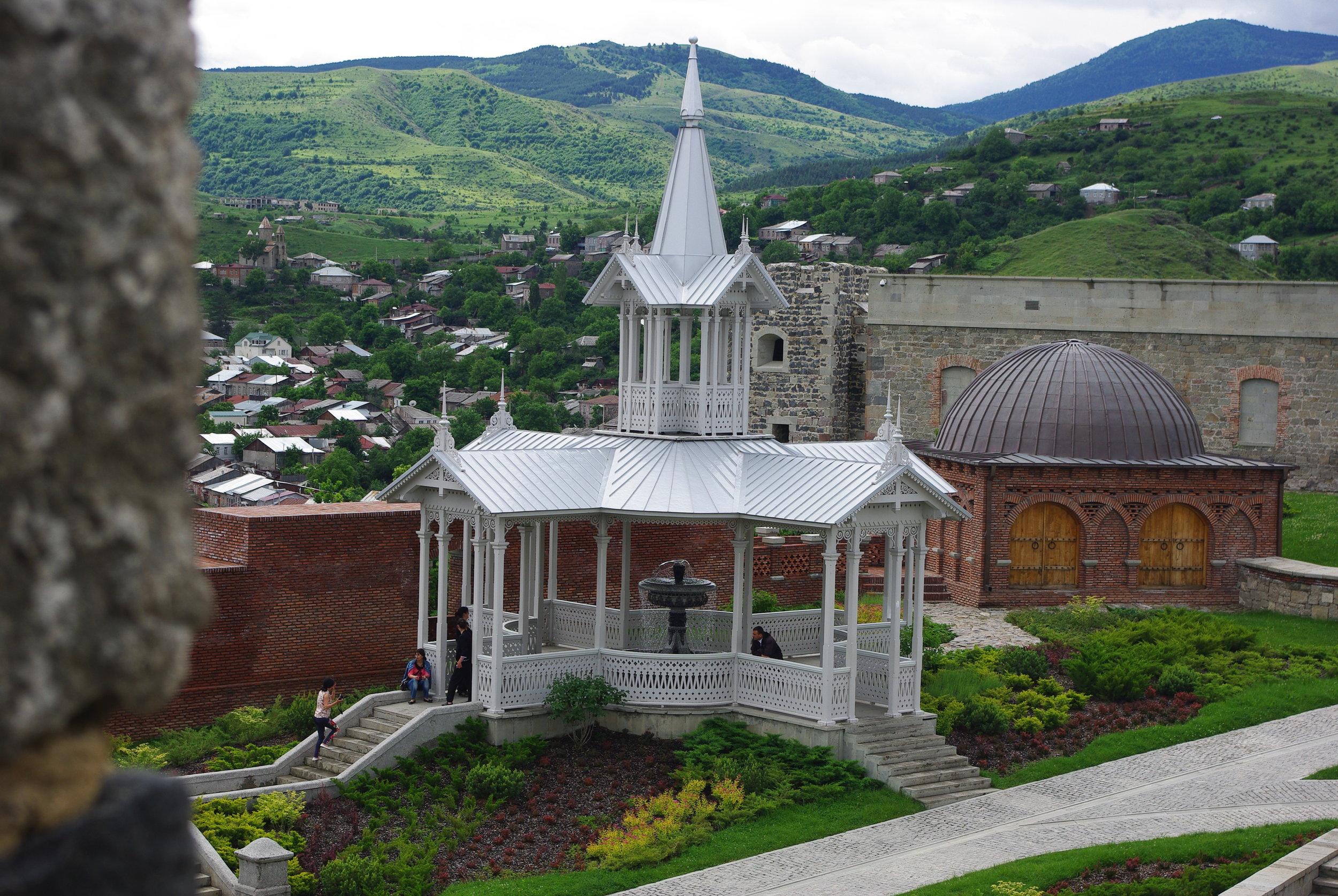 1206 Рабати Тбилиси ЮраIMGP0040.JPG