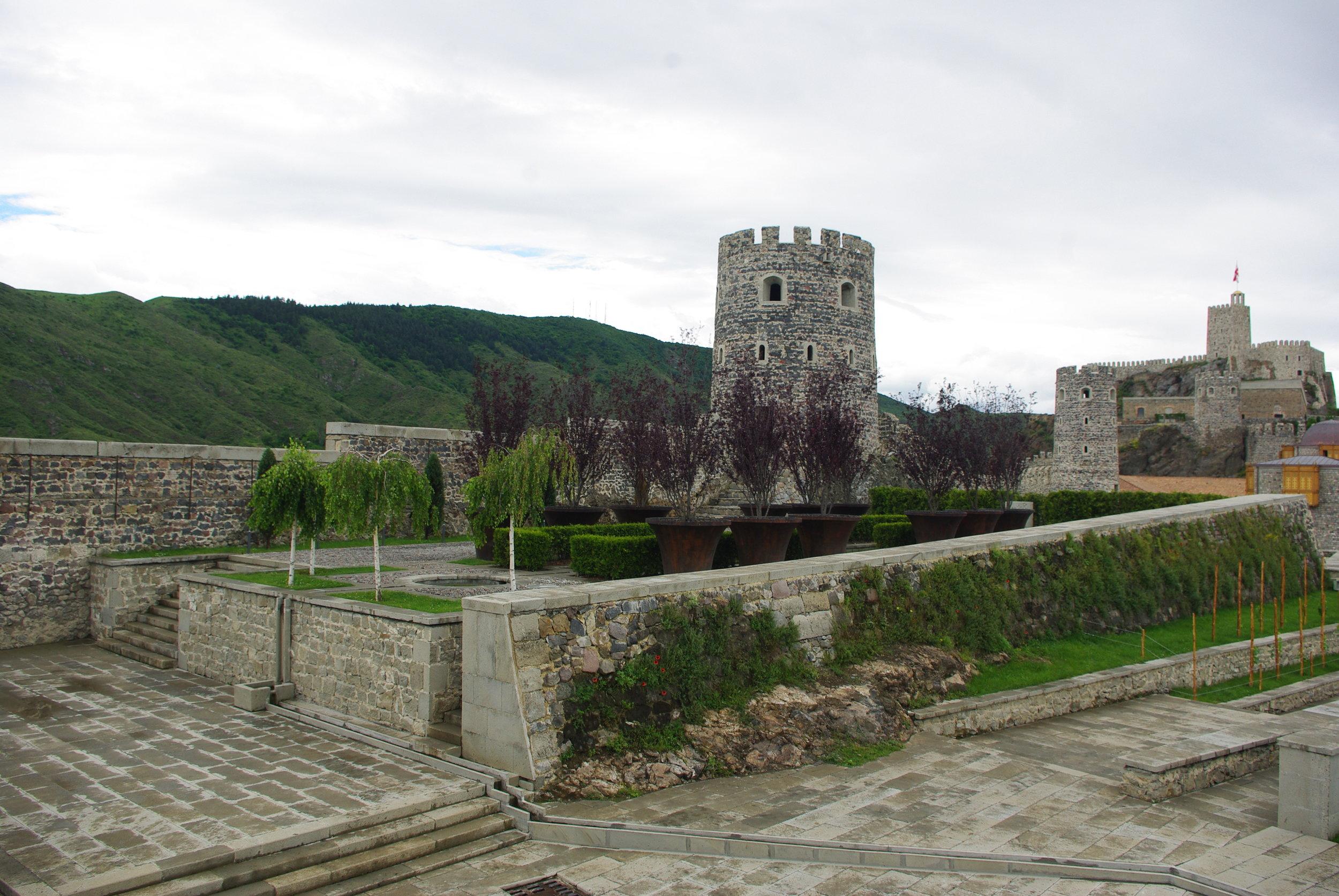 1206 Рабати Тбилиси ЮраIMGP0019.JPG