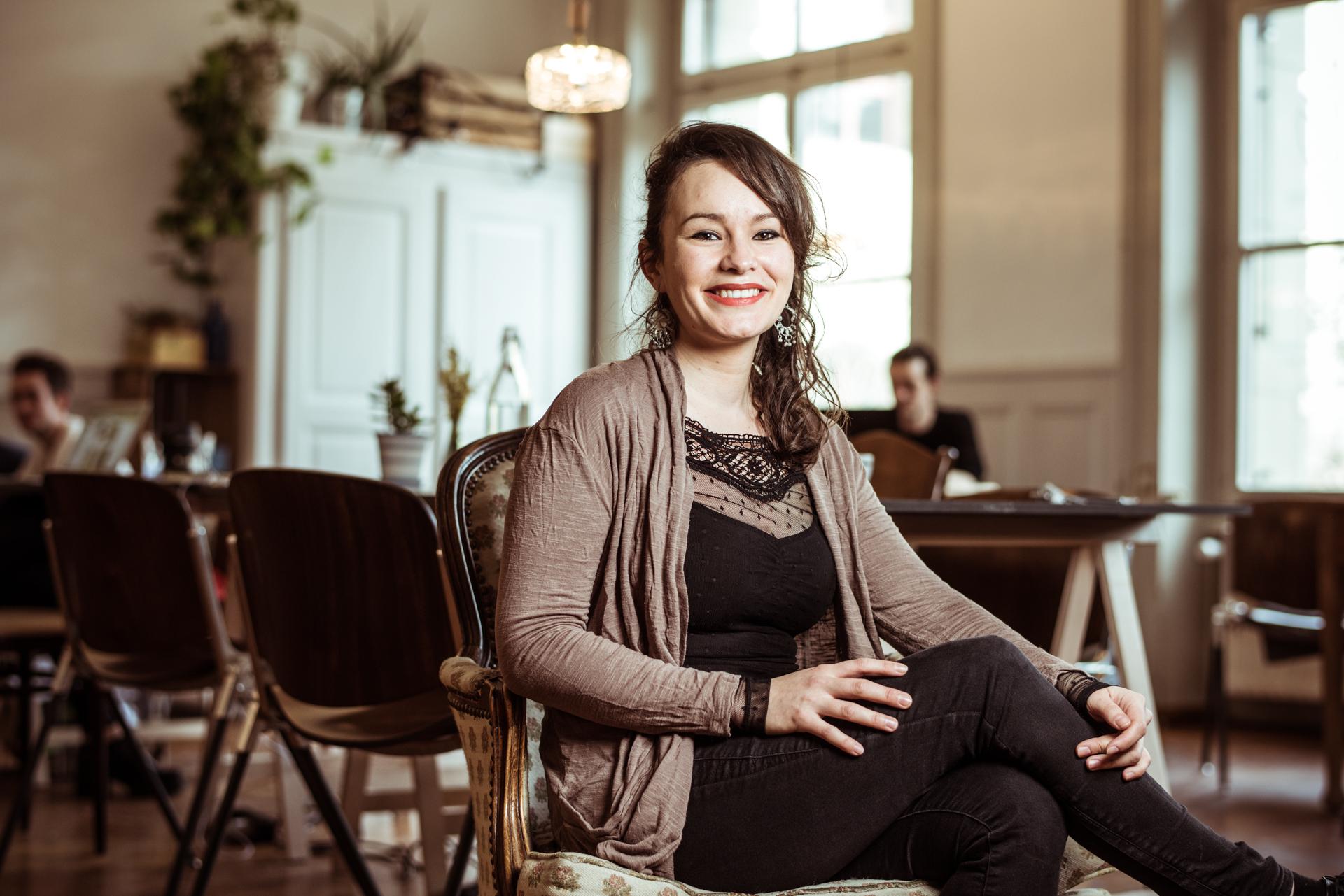 Olivia Kaufmann  Soziokulturelle Animatorin, Kulturmanagerin, Naturliebhaberin, Foodlover und Hobbyköchin.   K   ontakt   /   Webseite