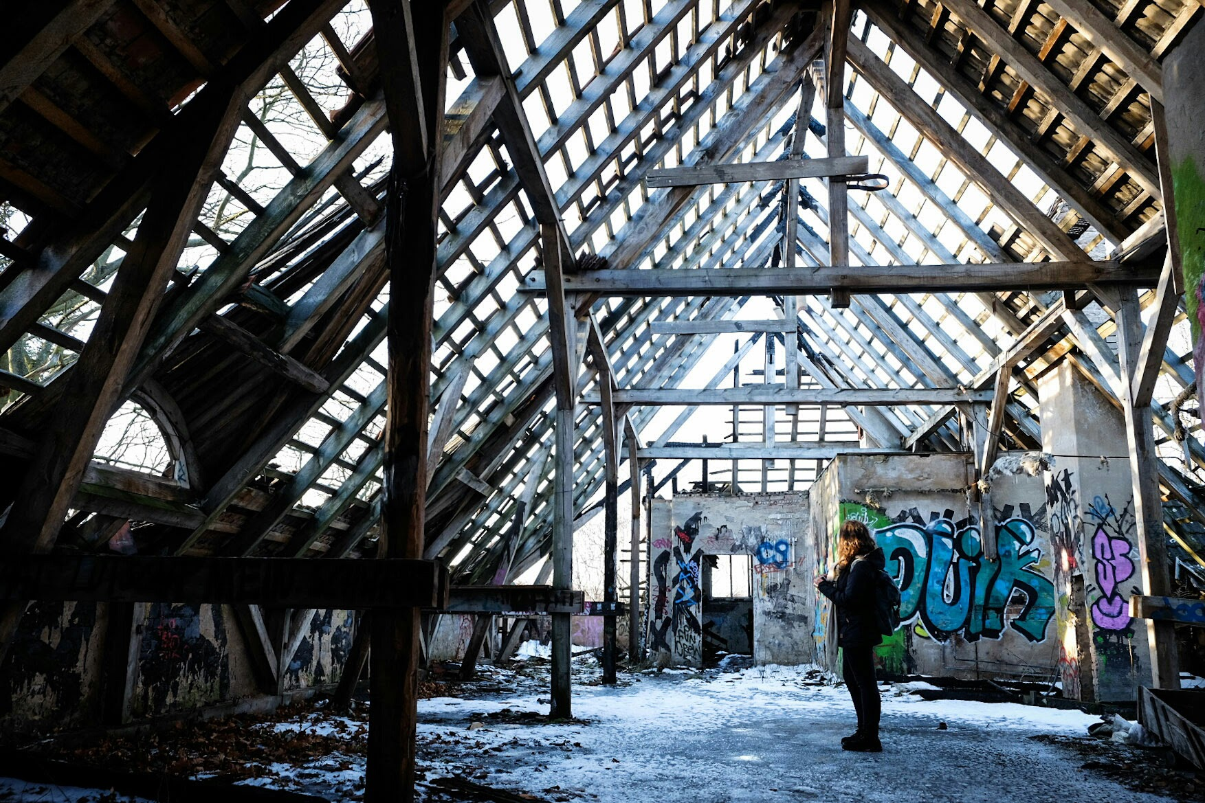 Suzanne in the abandoned hospital