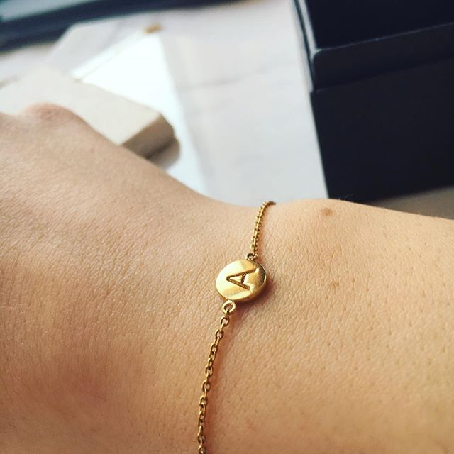 Initial bracelet - sterling silver plated with 18ct. Gold laser engraved with you initial or a message. Reverse engraving now available. 💙📷 #springstyling #armcandy #jewellerydesign #giftsforher