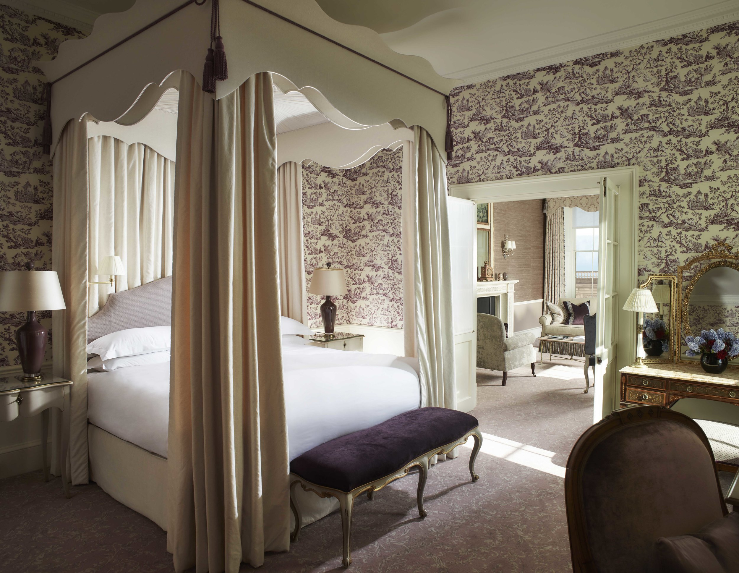 CLIVEDEN_Rooms - Shrewsbury Deluxe Suite - CH.jpg