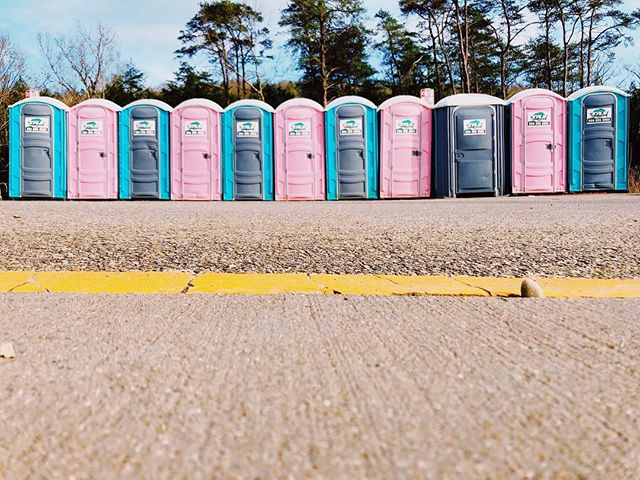 The Prettiest Porta Potties // Old Man's Cave, OH