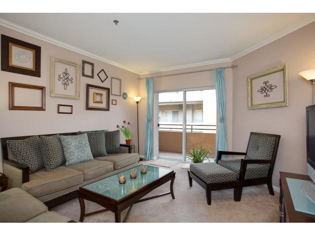 838 Pine Ave #401 Long Beach, CA 90813  3 bed / 2 bath / 1,380 sq ft