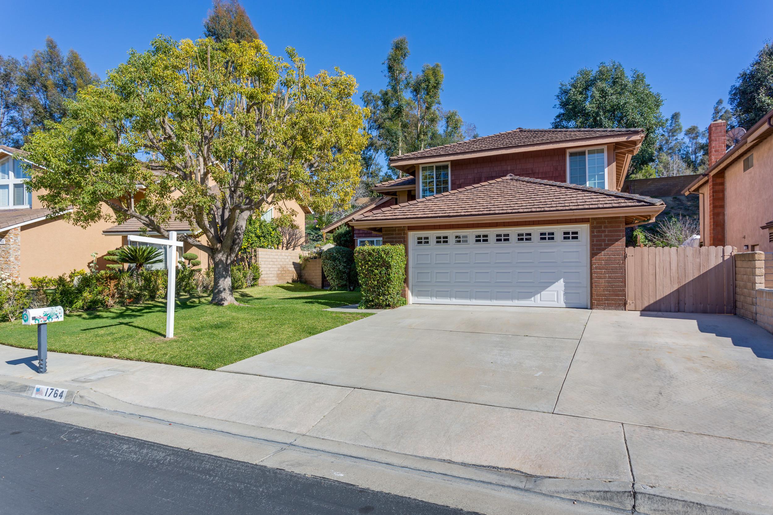 1764 Summerwood Ave fullerton, CA 92833  4 bed / 3 bath / 2,293 sq ft