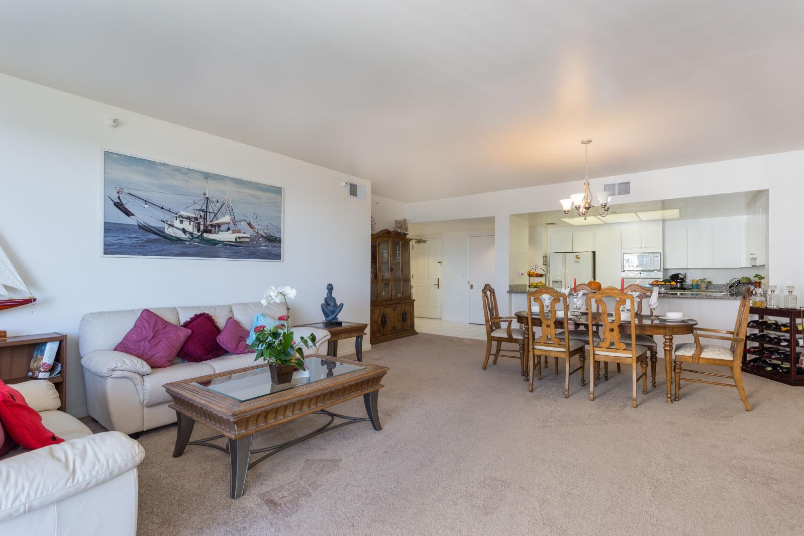 850 E. Ocean Blvd. #1207 LONG BEACH, CA 90802  3 Bed/3 Bath/ 1,788 sq f