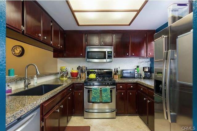 680 grand #103 LONG BEACH, CA 90814  2 bed / 2 bath / 855 sq ft
