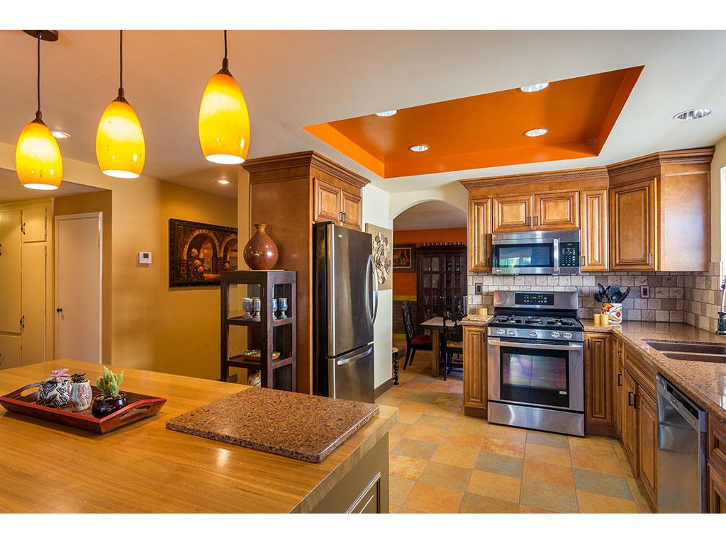 kitchen-detail_25848492632_o.jpg