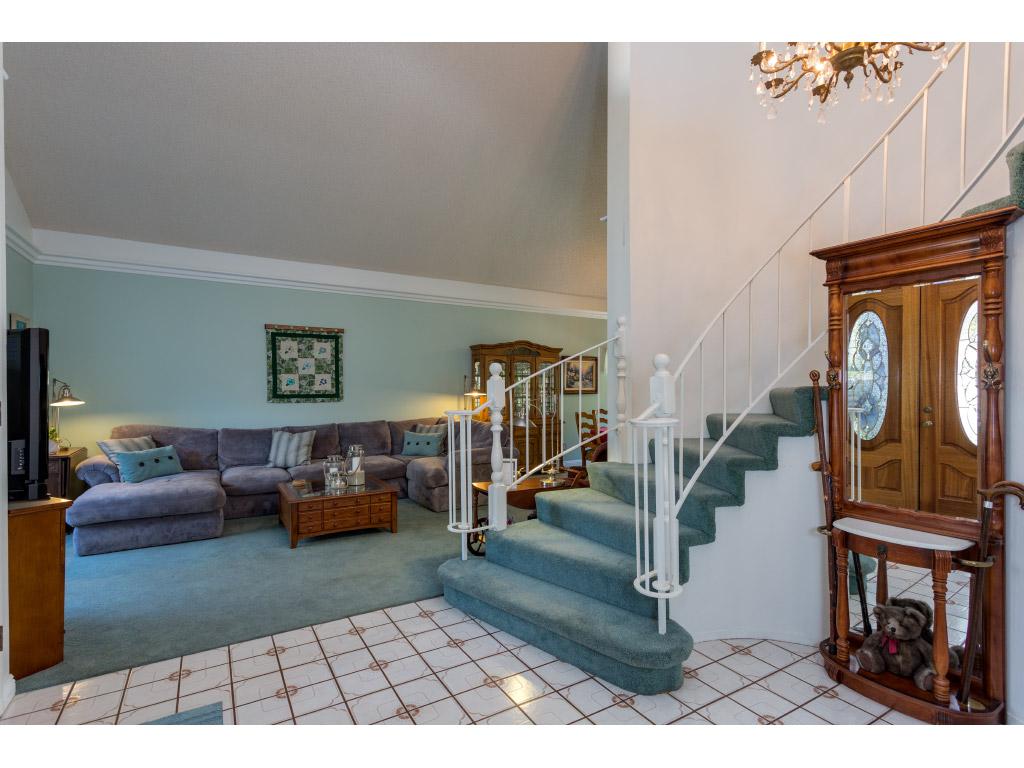 downstairs-entry_15897452354_o.jpg