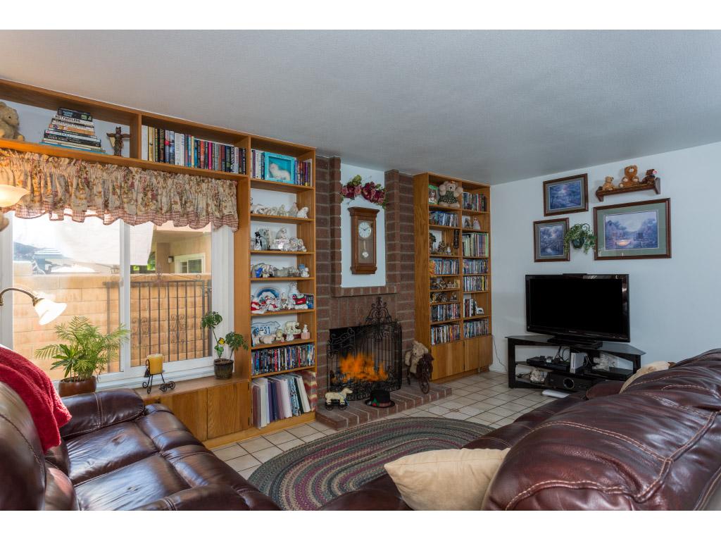 downstairs-family-room_16494021916_o.jpg
