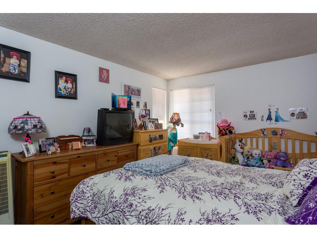 upstairs-bedroom2_15897451404_o.jpg