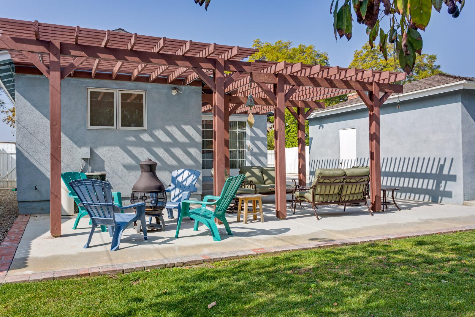 backyard-patio2_16148381503_o.jpg