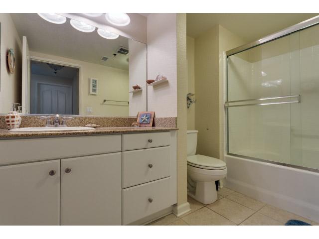 second-bathroom_14556445129_o.jpg