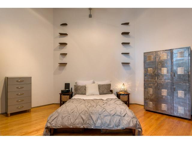 master-bedroom_14729119672_o.jpg