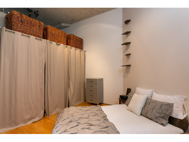 master-bedroom4_14542736690_o.jpg
