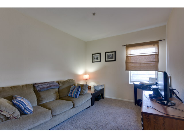 second-bedroom_14491709986_o.jpg