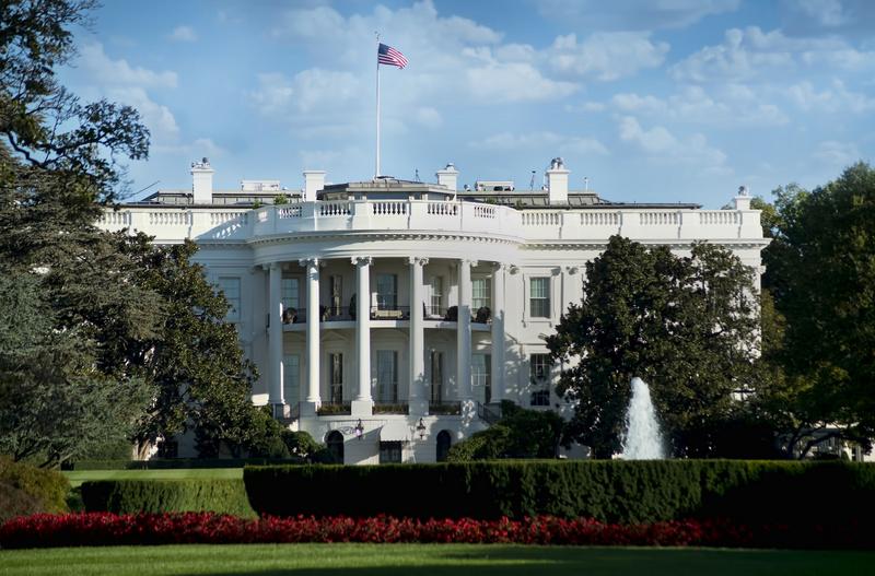 cutcaster-902843647-White-House-in-Washington-DC-small.jpg