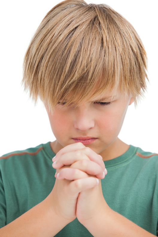 cutcaster-902656914-Little-boy-saying-his-prayers-small.jpg