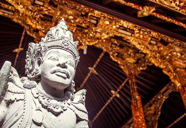 Beautiful Hindu statues are everywhere in Bali.