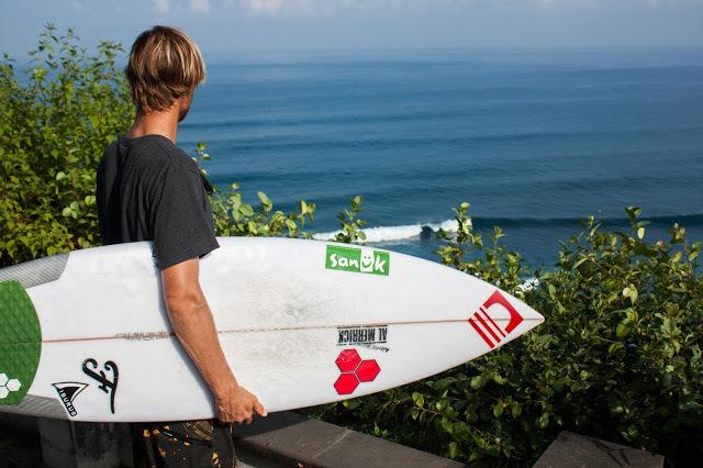 surf check at Uluwatu