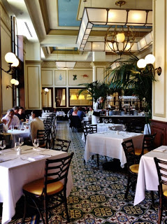yum-du-jour-los-angeles-bouchon-interior+(Copy).JPG